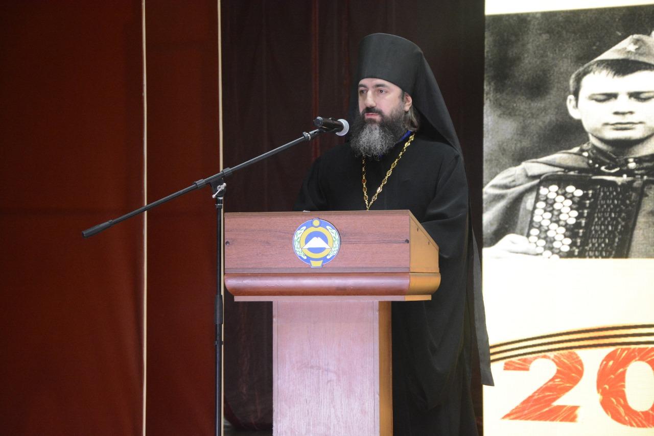 Иеромонах Трифон (Умалатов) принял участие в Рождественских чтениях в Черкесске